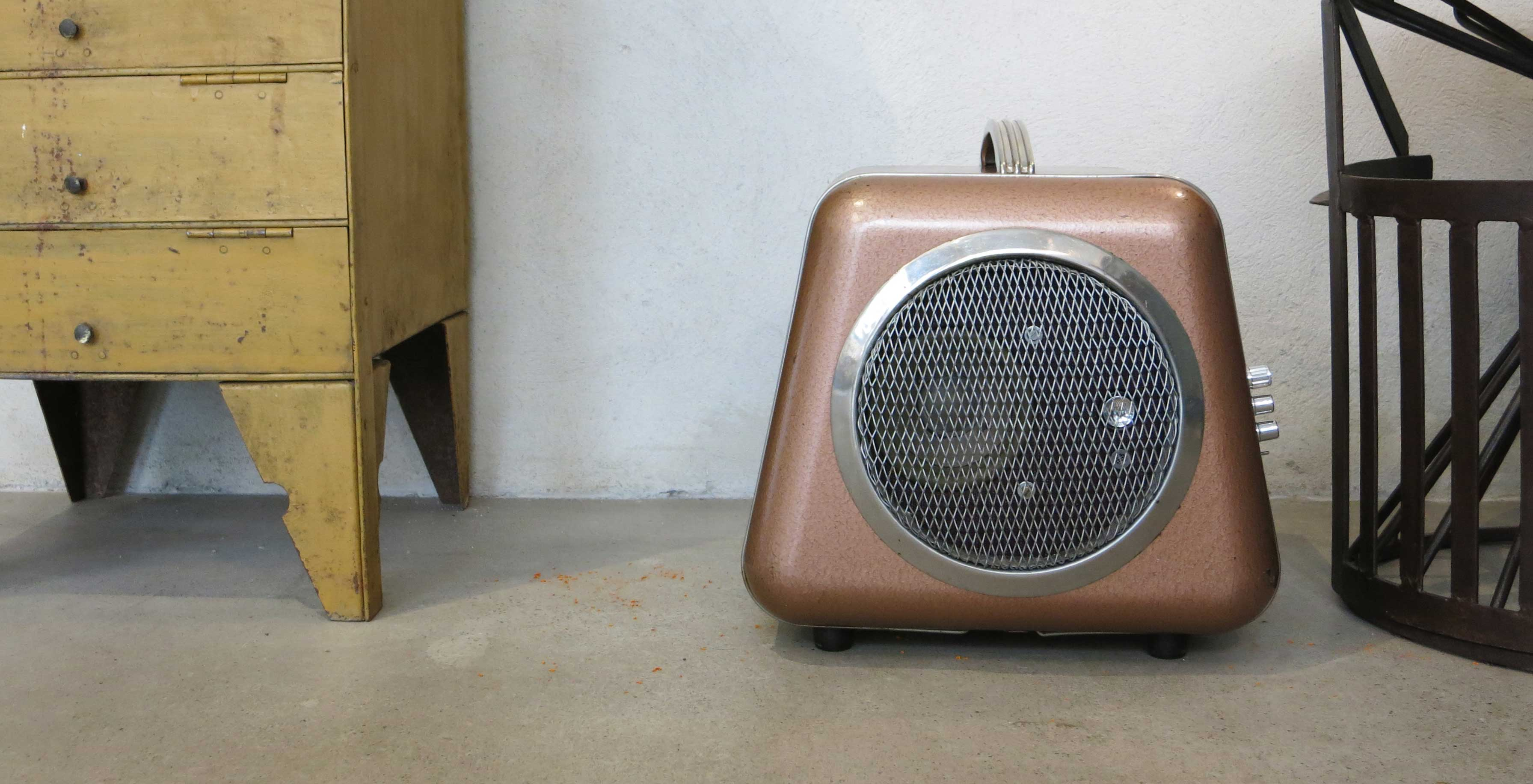 speaker with amplifier 2x50 watts mini jack and bluetooth